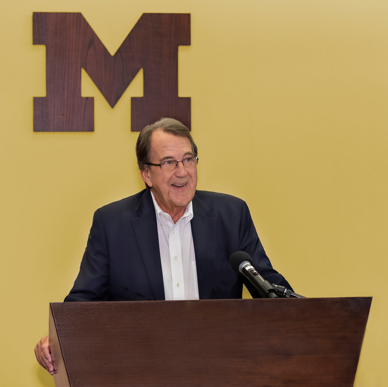 photo of football coach Lloyd Carr U of M