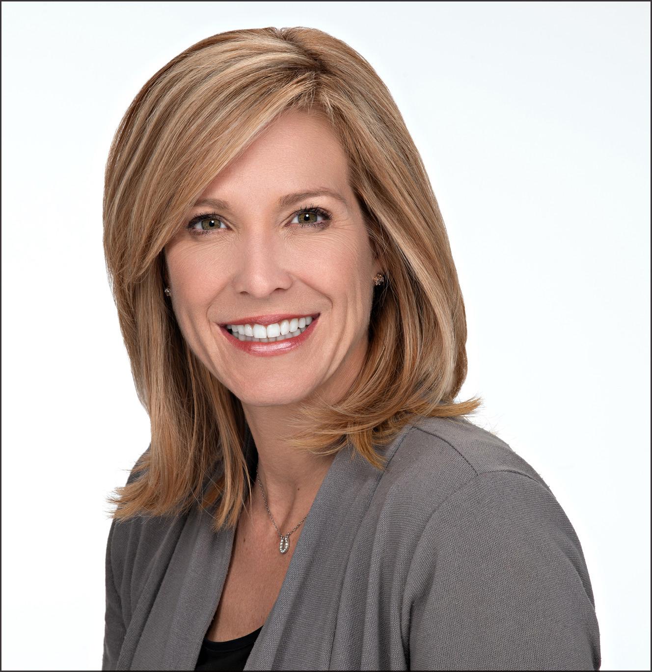 professional headshot of businesswoman